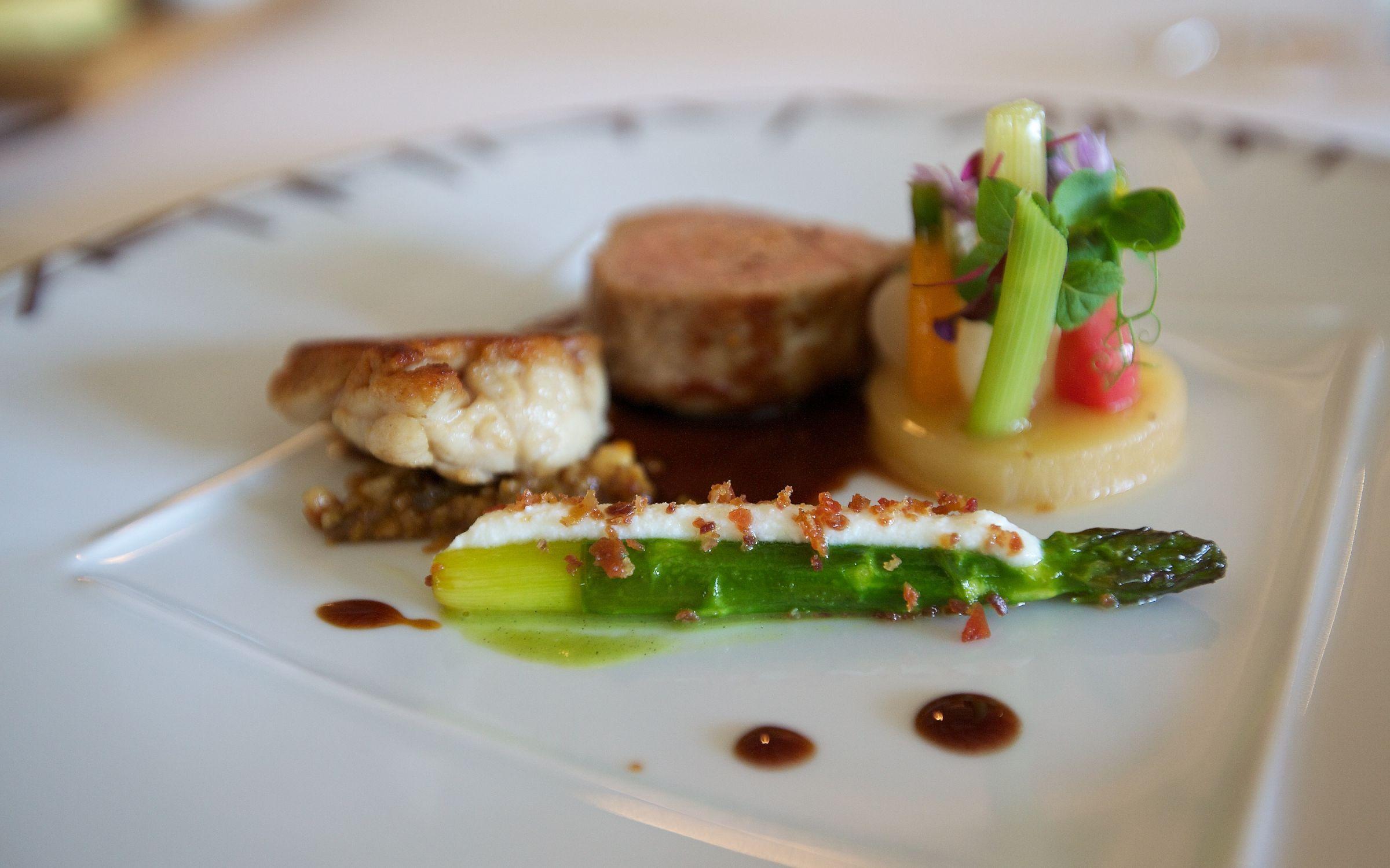 Bernard loiseau qli travel qli travel restaurants for Cuisine bernard