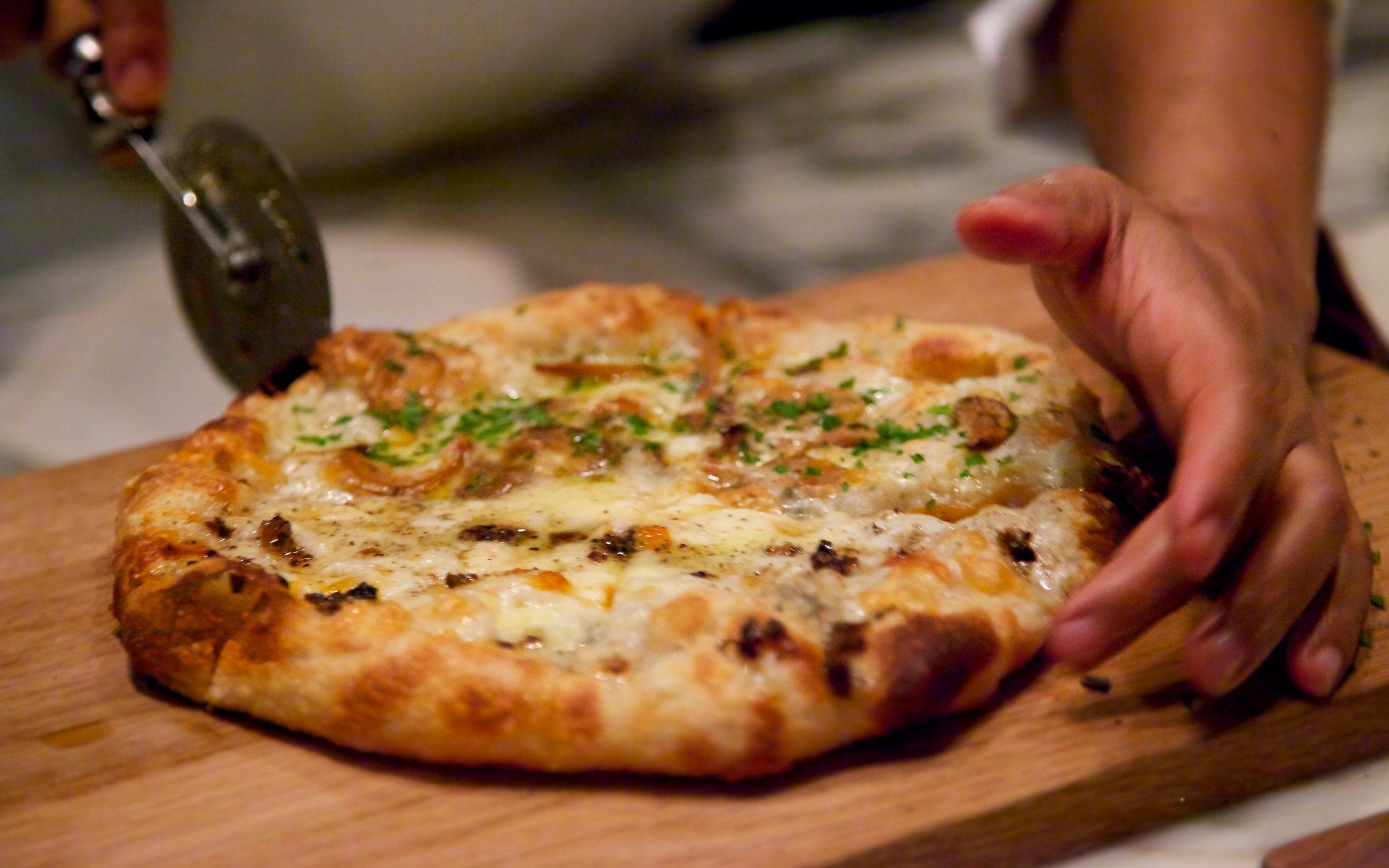 Pizza bar on the 38th qli travel qli travel for Food at bar 38